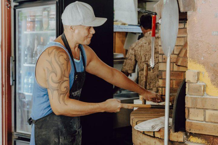 Polynesische Spezialitäten: Pizza aus dem Holzofen – Moorea Island Style