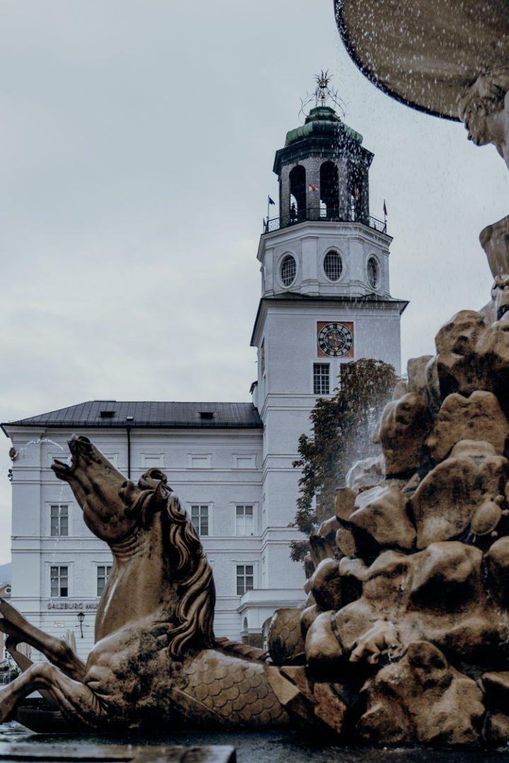 Der Dom zu Salzburg und der Residenzplatz