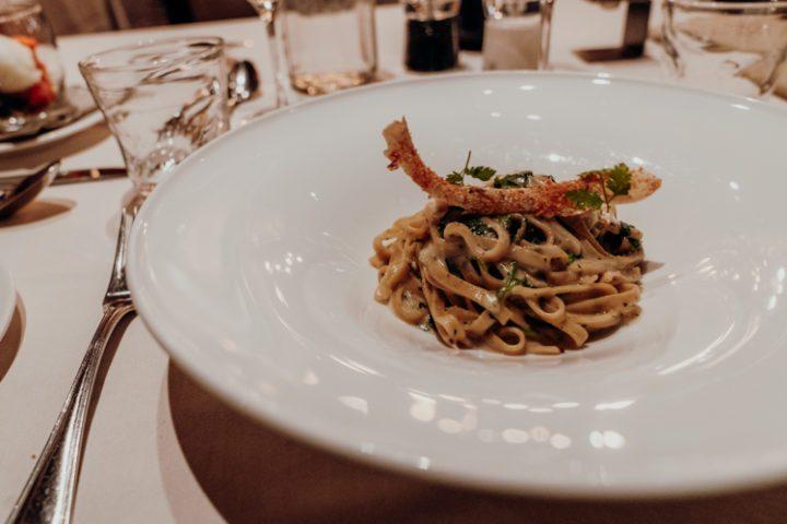 Abendessen im Hotel Weisses Kreuz Burgeis Vinschgau