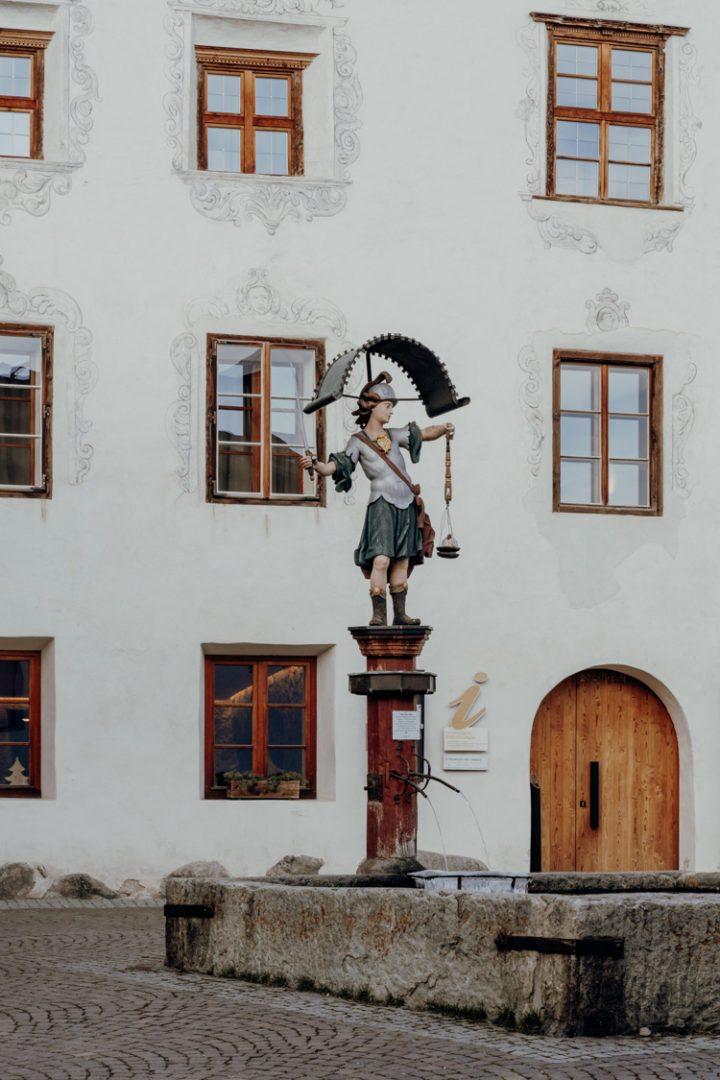 Ansitz zum Löwen Hotel Weisses Kreuz, Burgeis – Vinschgau