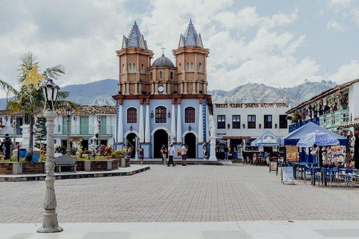 Replica Peñol Guatape Kolumbien