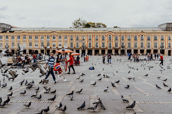 Die Plaza de Bolivar – der zentrale Platz Bogotás