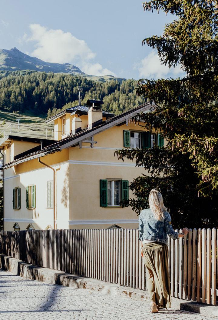 Erkunde das kleine Bergdorf Ftan