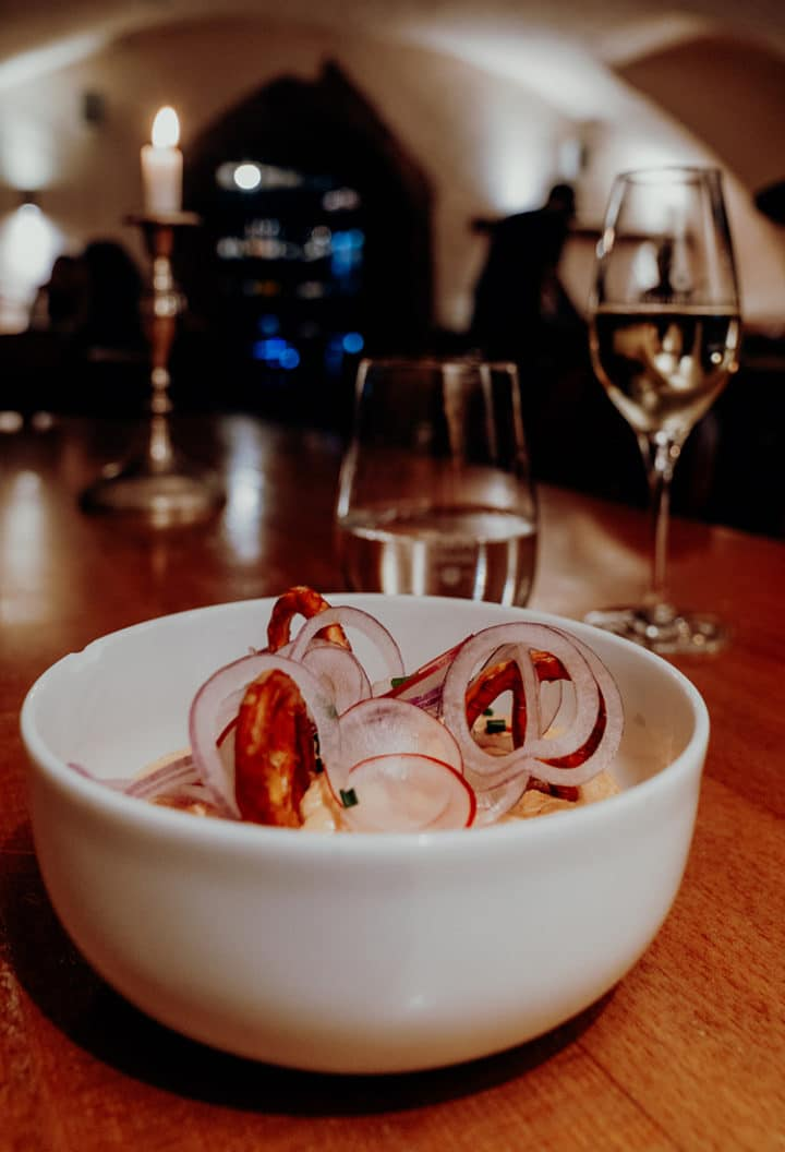 Mainzer Spundekäs in der Weinstube Rote Kopf