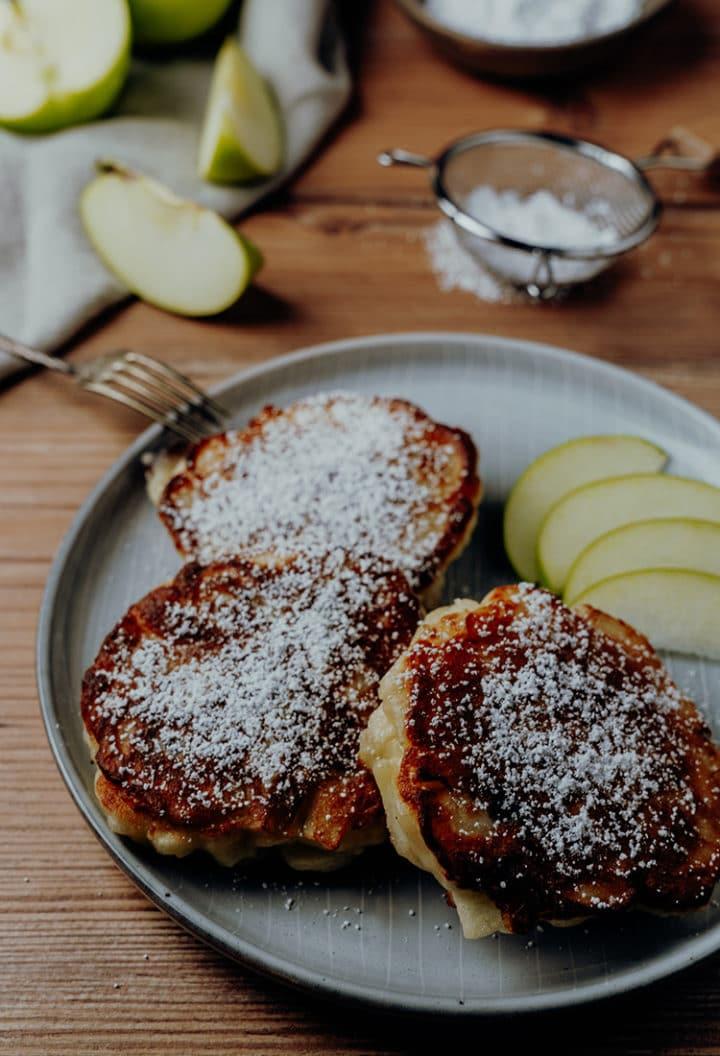 Racuchy – Rezept für Polnische Apfel-Pfannkuchen