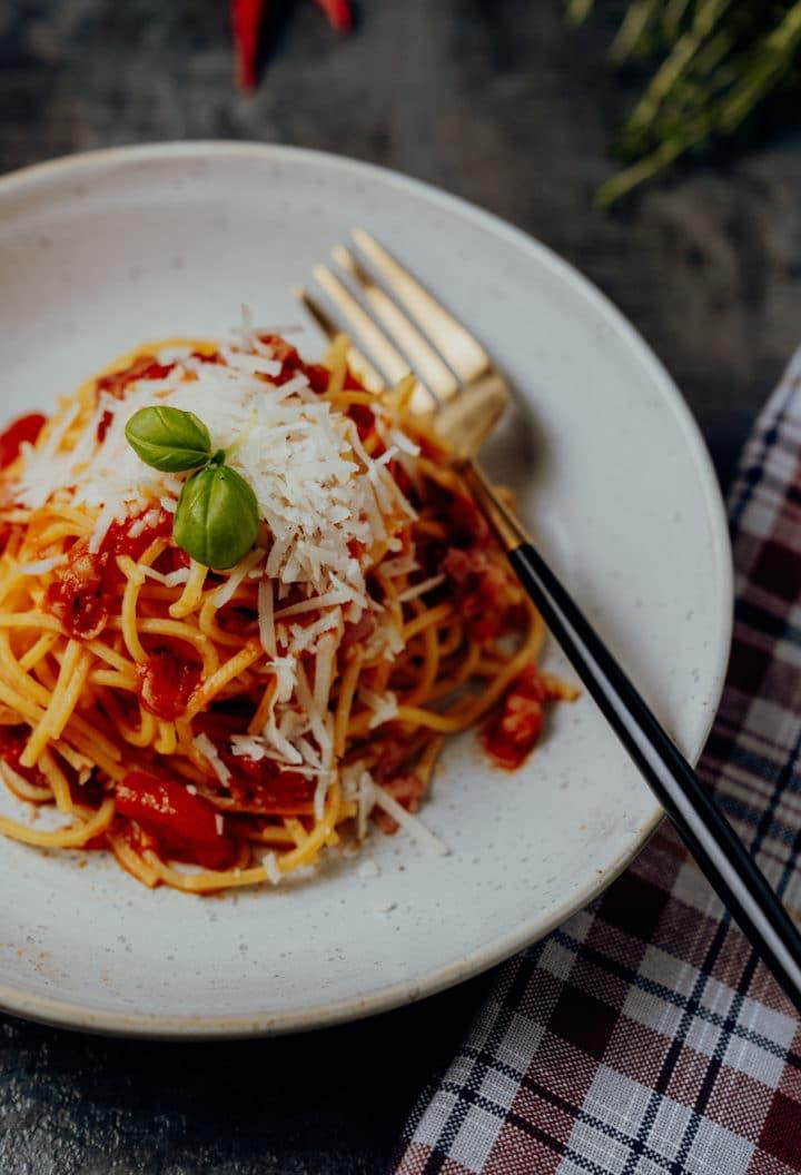 Spaghettiall'amatriciana – Das Original Rezept aus Amatrice in Latium