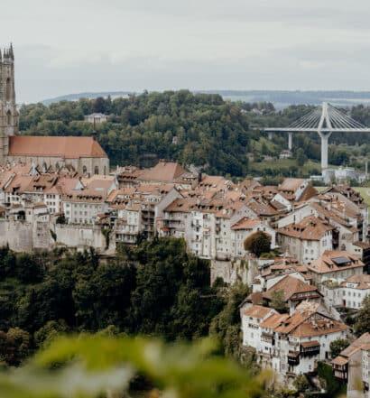 Fribourg – das charmante zweistöckige Altstadtlabyrinth am «Röstigraben»