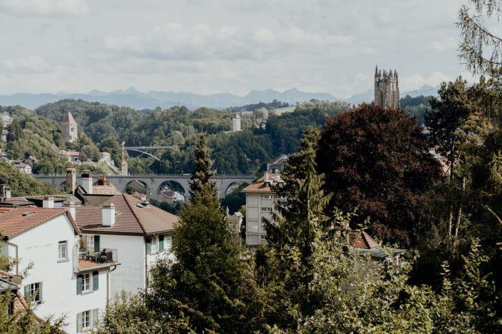 Die Stadtmauern und Befestigungen von Fribourg